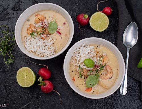 """Asia Suppe """"Thai Style"""" mit Garnelen und Radieschen"""