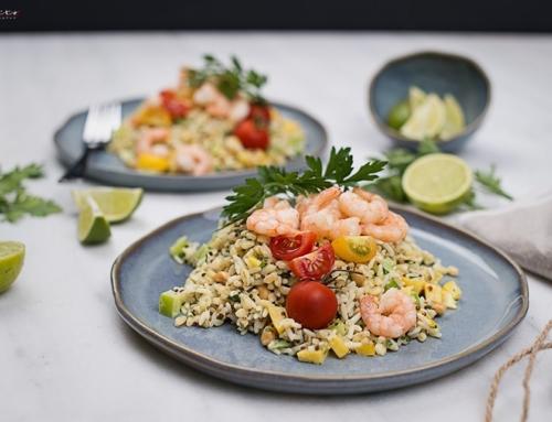 Reis & Korn Salat mit Shrimps und Limetten-Kokos-Dressin