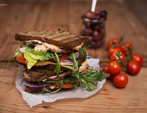 Gegrilltes mediterranes Gemüse Sandwich
