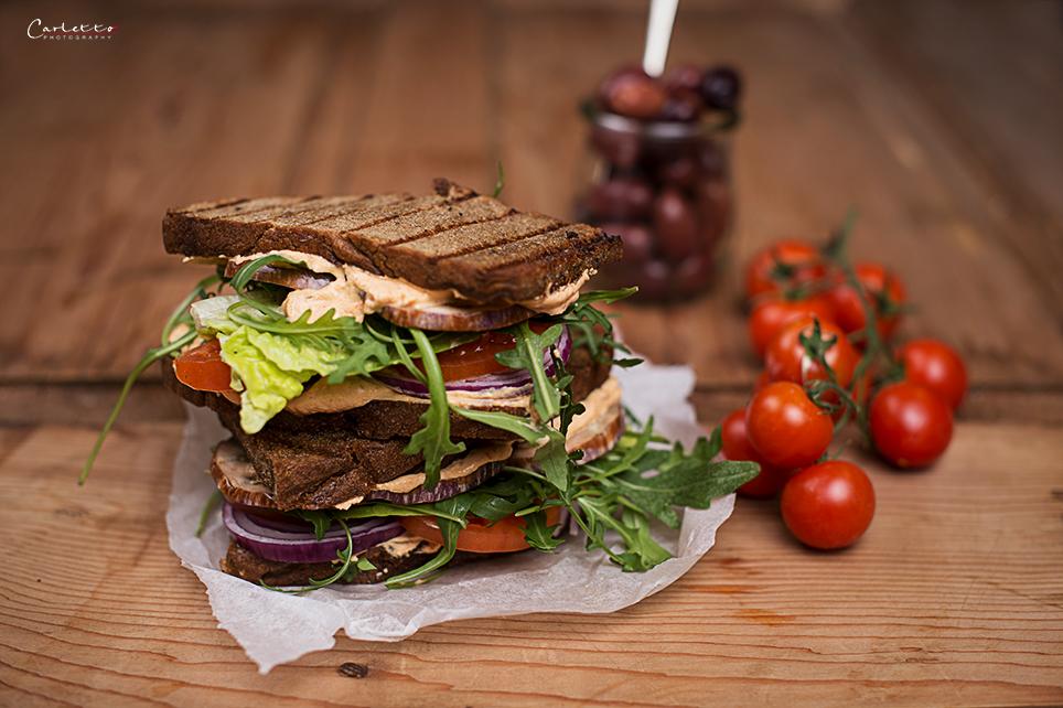 Mediterranes Gemüse Sandwich vom Grill