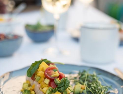 Gegrillter Lachs mit Mango-Avocado-Salsa