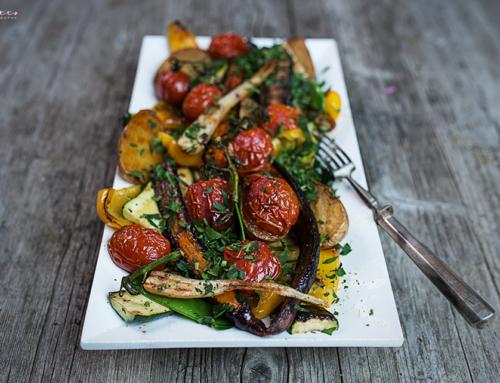 Gegrilltes Gemüse mit Kräuter Öl Marinade