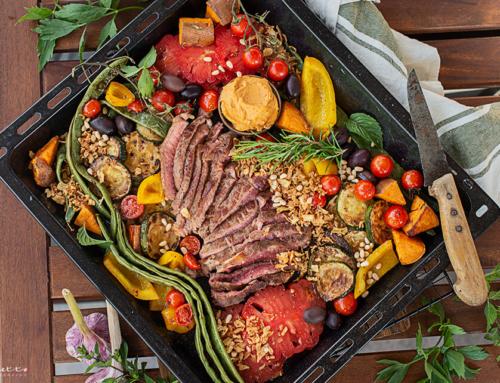 Rinderfilets aus dem Ofen mit Gemüse & Röstzwiebeln