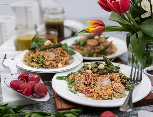 Bunter Quinoa Salat mit Spargel